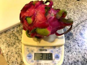 ドラゴンフルーツ 重さ